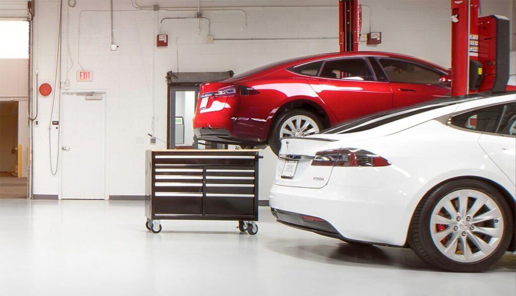 Tesla-Ersatzteilbestellung