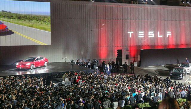 Tesla-Markentreue