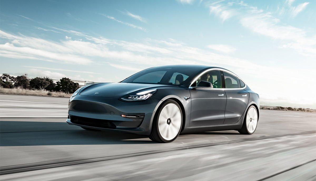 Tesla-Model-3-Autopilot-Unfall