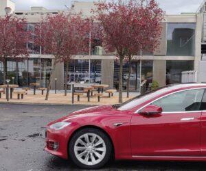 Tesla-Supercharger-Lounge-Schweiz-Dietikon3