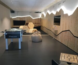 Tesla-Supercharger-Lounge-Schweiz-Dietikon8