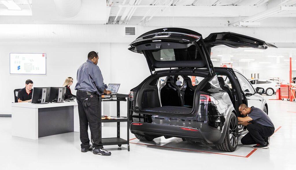Tesla-Ersatzteile