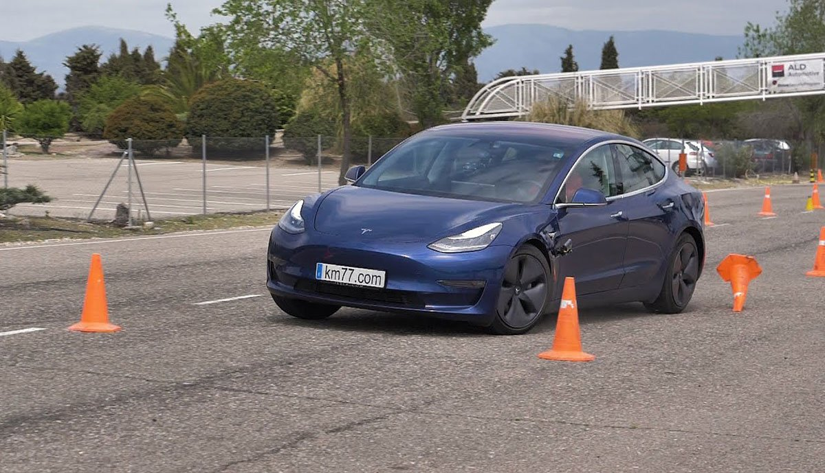Tesla-Model-3-Elchtest