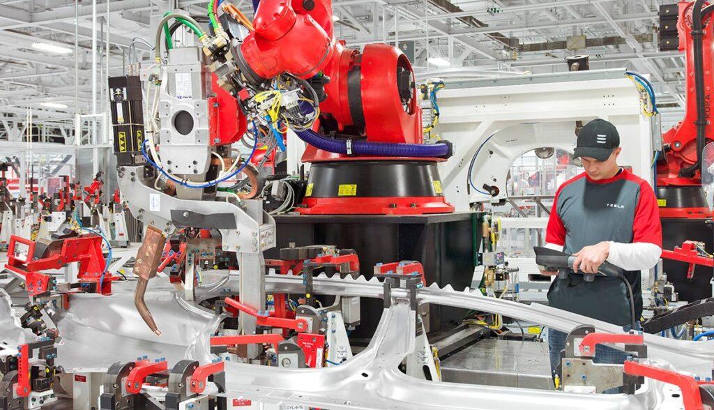 Tesla-Produktion-Hochholdinger