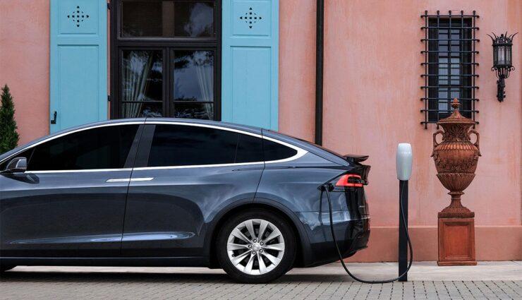 Tesla-Werbung