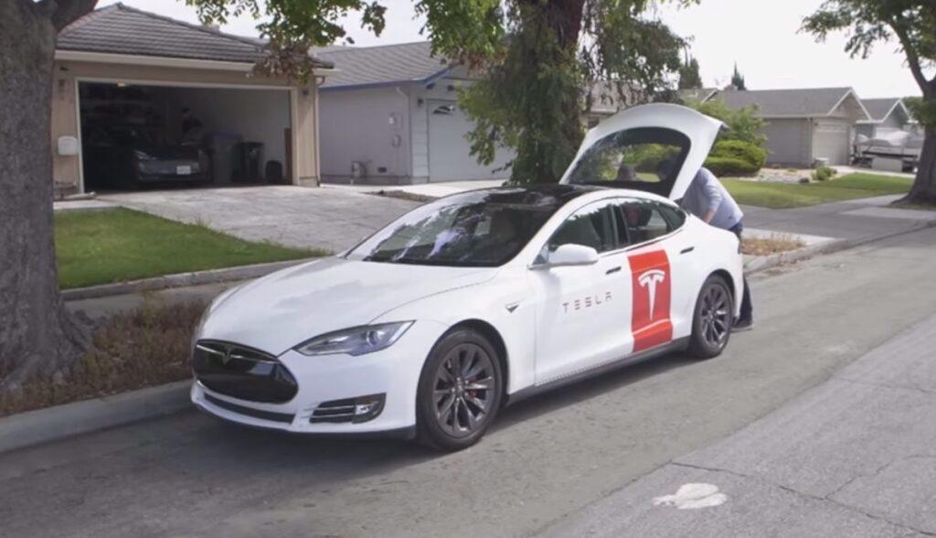 Tesla-mobiler-Service