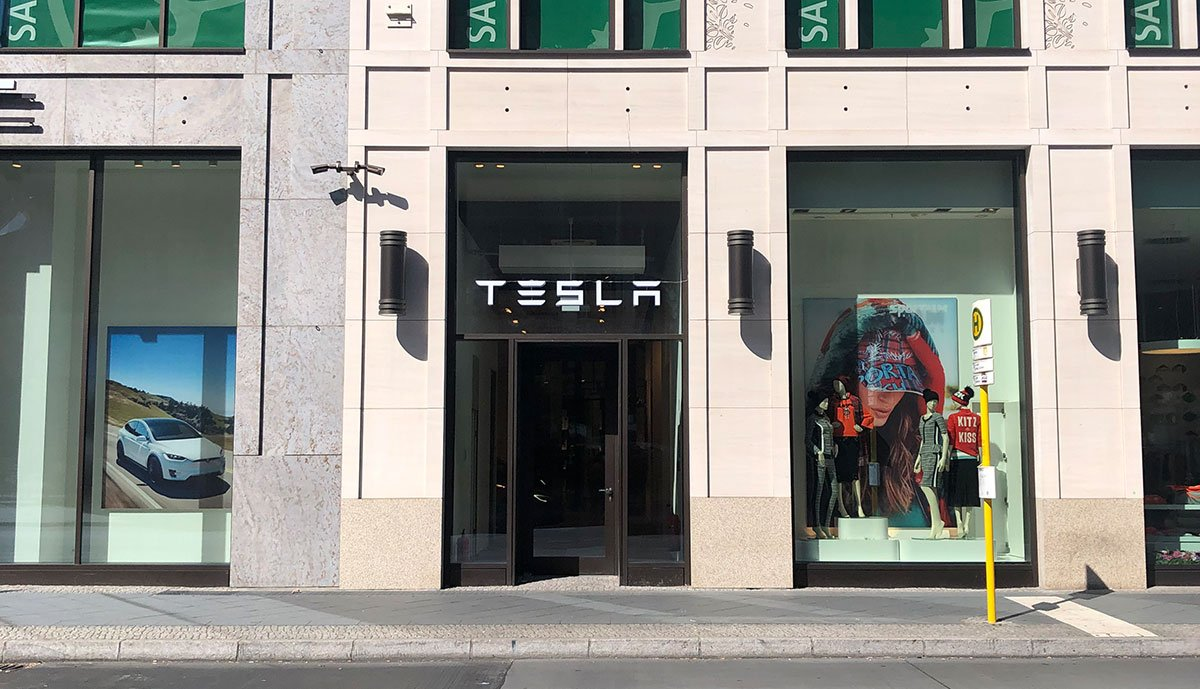 Tesla-Berlin-Leipziger-Platz-12