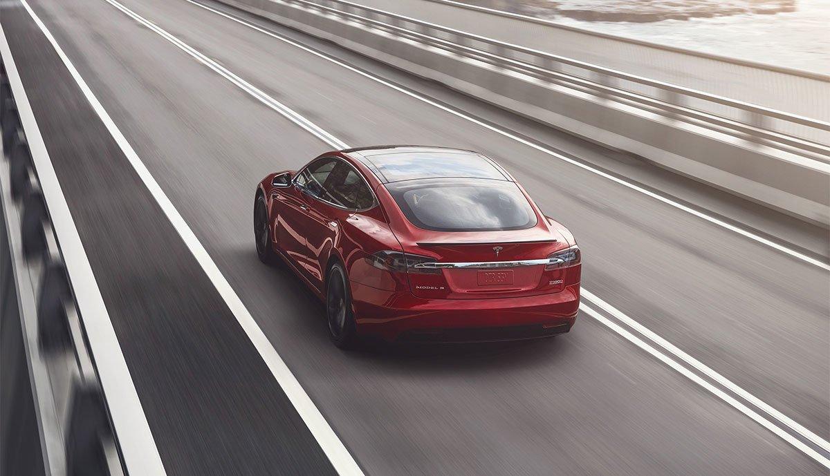 Tesla-Preissteigerung-Autonomes-Fahren