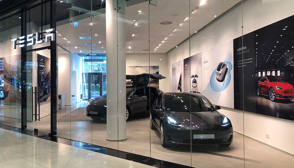Tesla-Store-Berlin-Leipziger-Platz-12