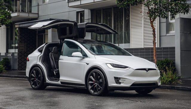 Tesla-Management
