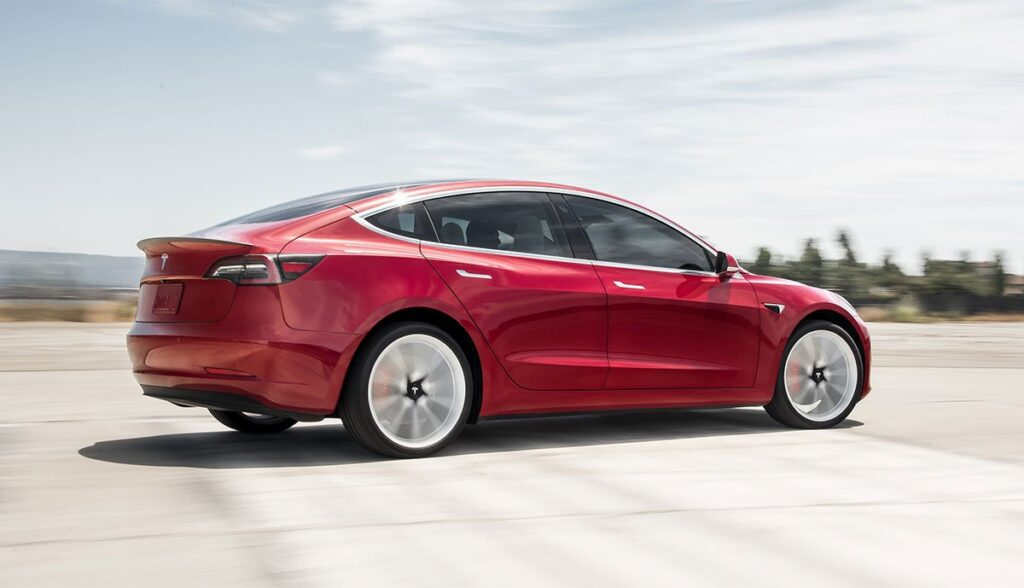 Tesla-Model-3-Luftfederung