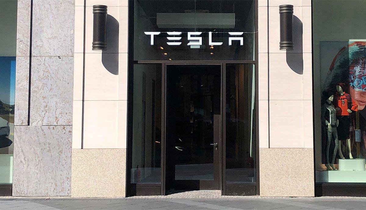 Tesla-Stefan-Keuchel