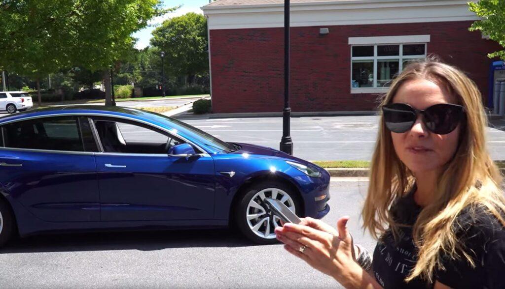 Tesla-Model-3-Summon-Video-2