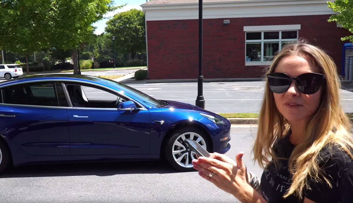 Tesla-Model-3-Summon-Video-2