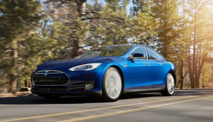 Tesla-Model-S-Flash-Speicher