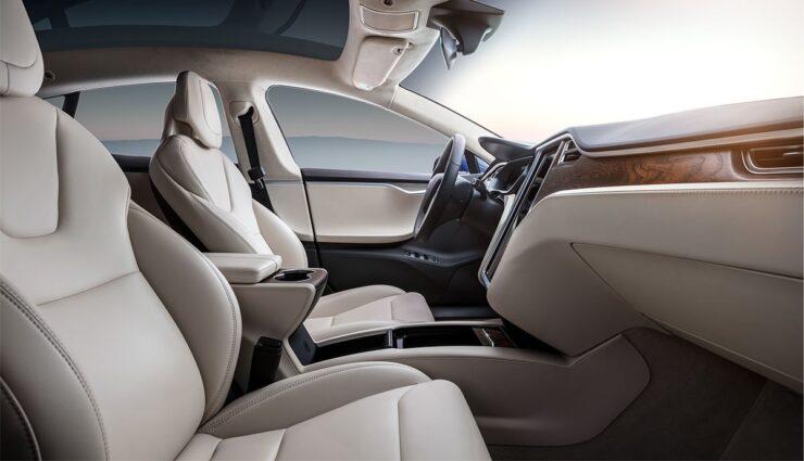 Tesla-Sitze