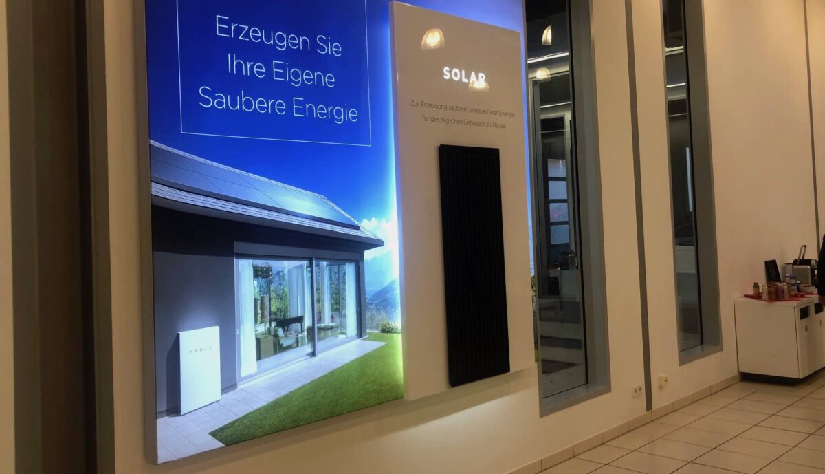 tesla center hannover solar