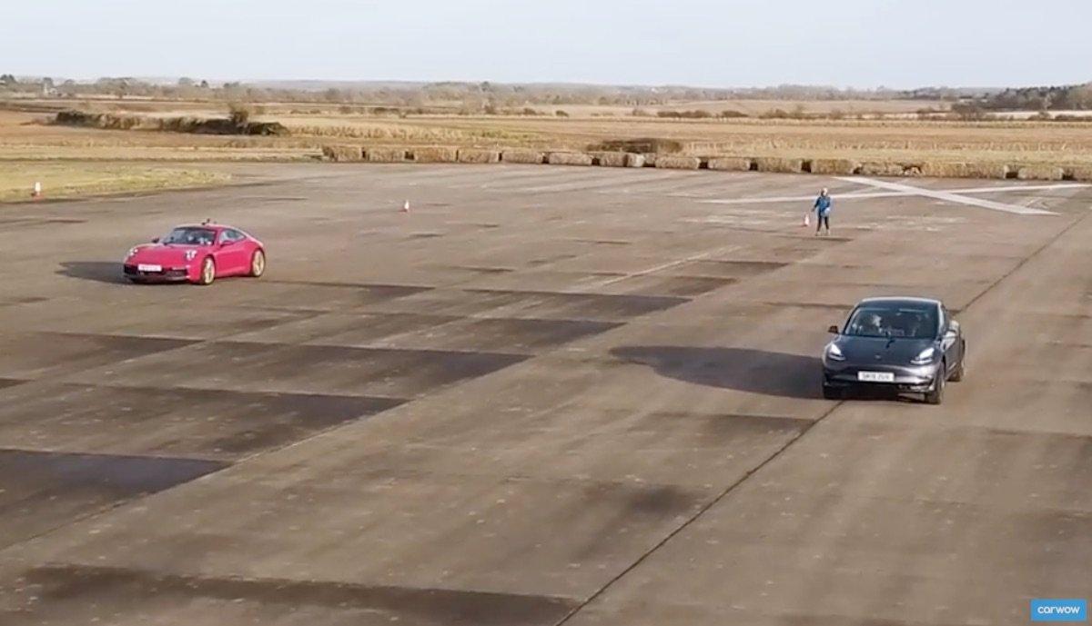 model3 porsche 911 carreras