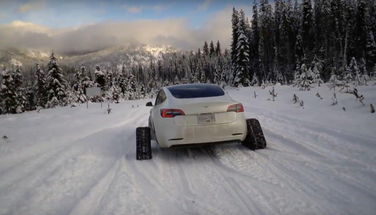 Tesla-Schneemobil