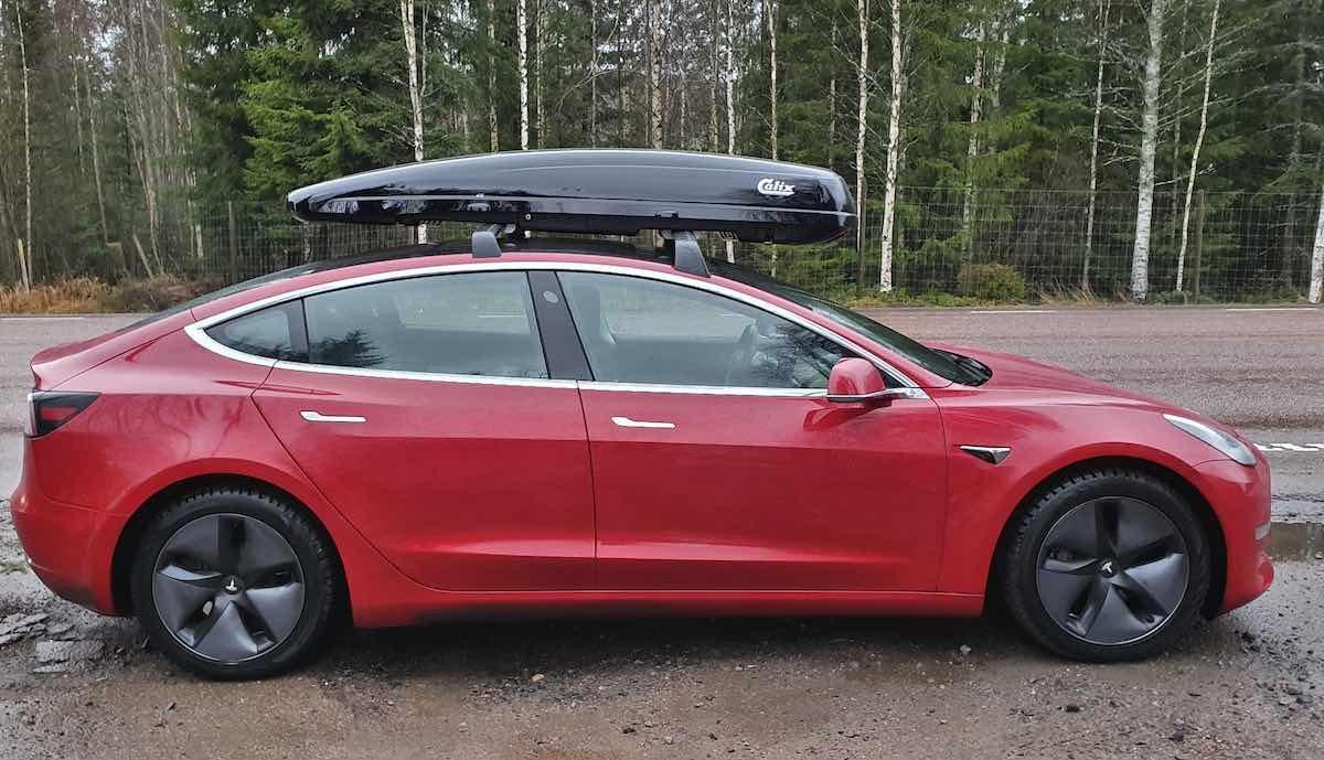 tesla club sweden model 3 dachbox test reverse