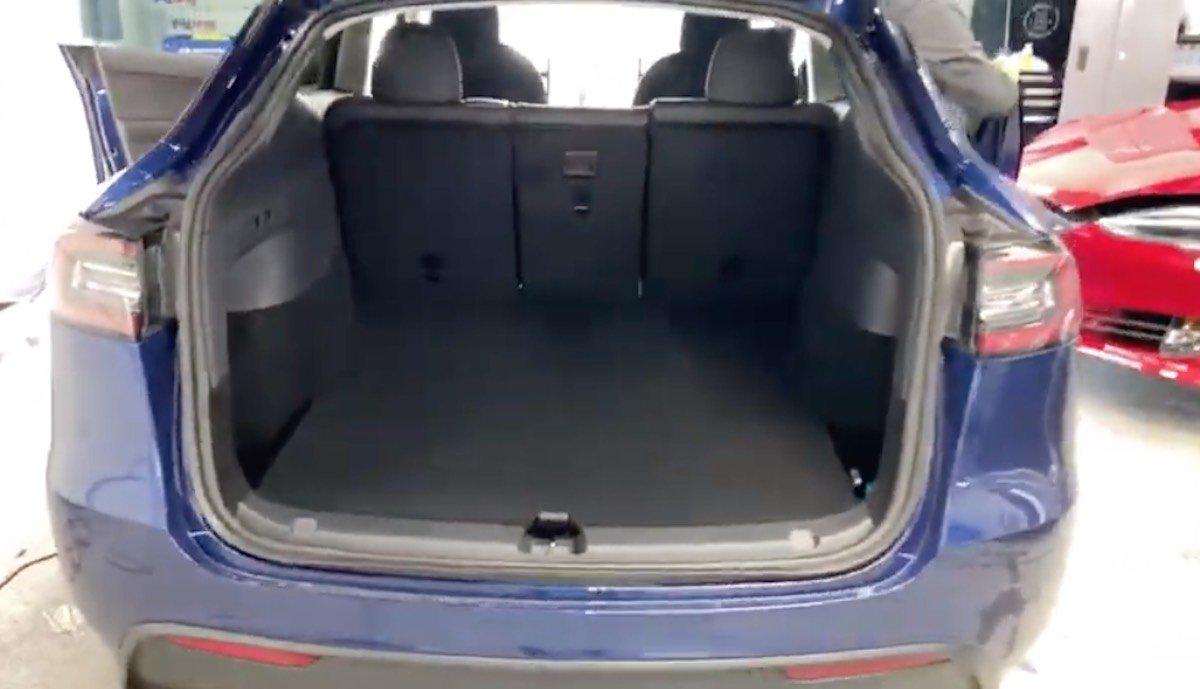 tesla model y kofferraum