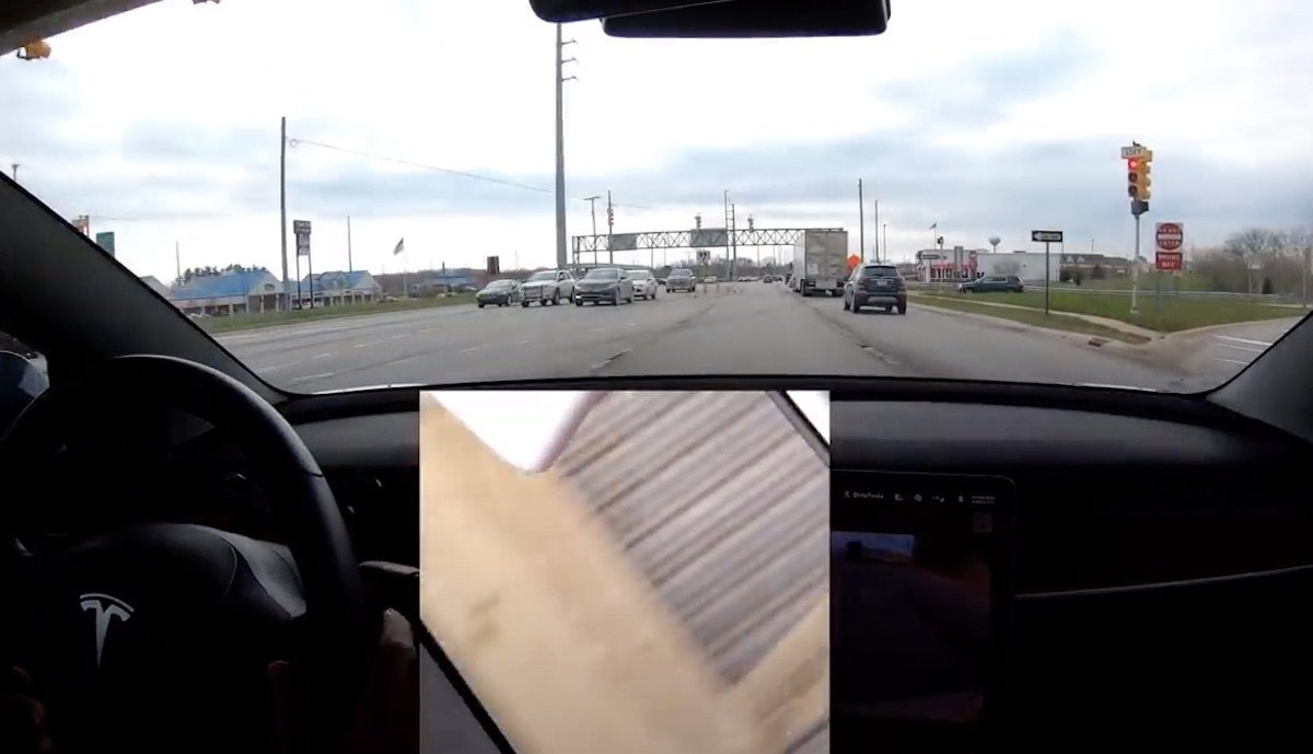 tesla autopilot ampel test