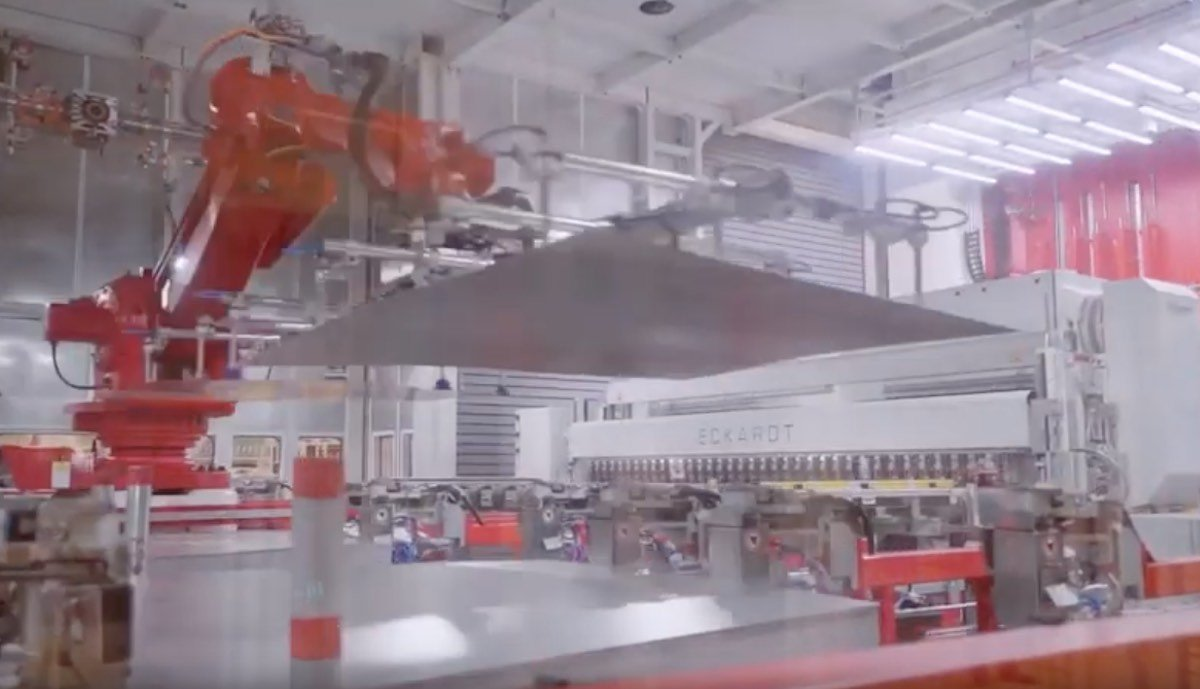 tesla model-3 gigafactory china blech