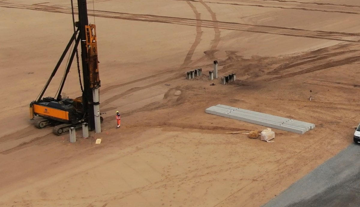 Trial ramming for German Gigafactory: Tesla has the first piles sunk in Grünheide