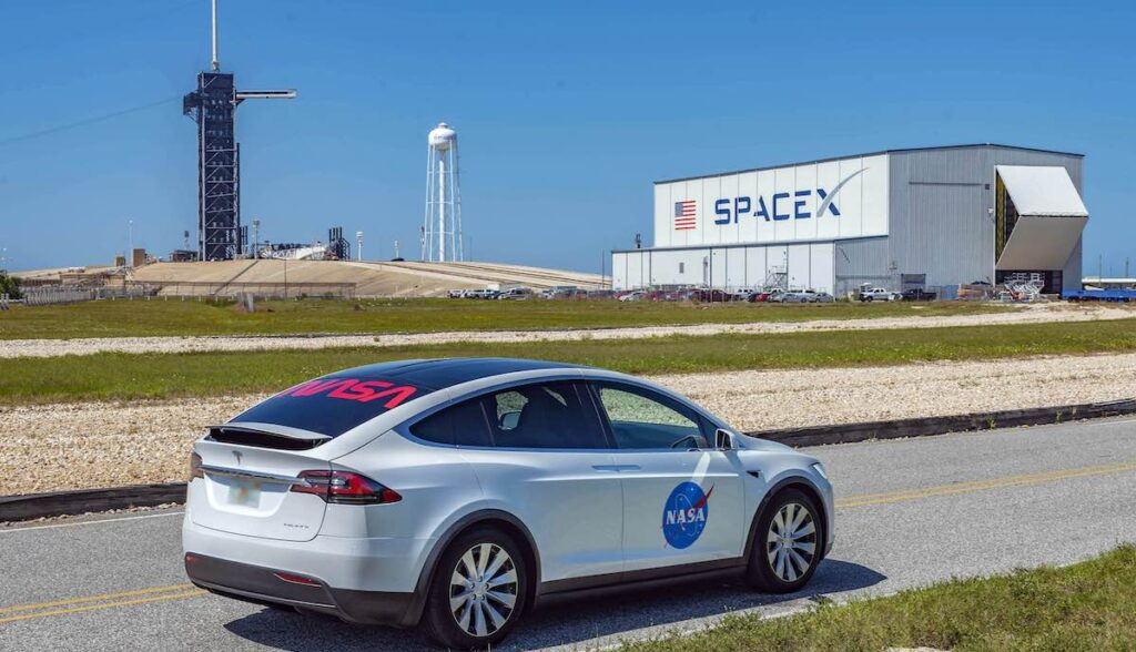 tesla model-x spacex nasa weit
