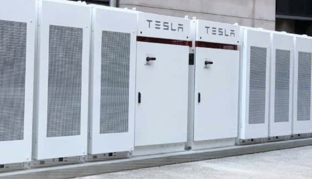 tesla powerpacks university queensland