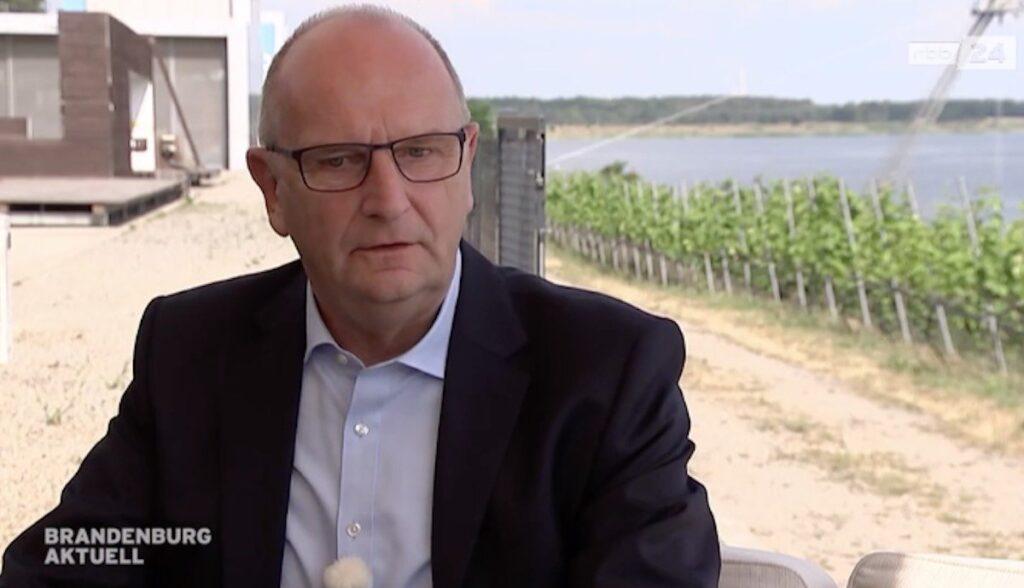 brandenburg ministerpräsident dietmar woidke tesla interview