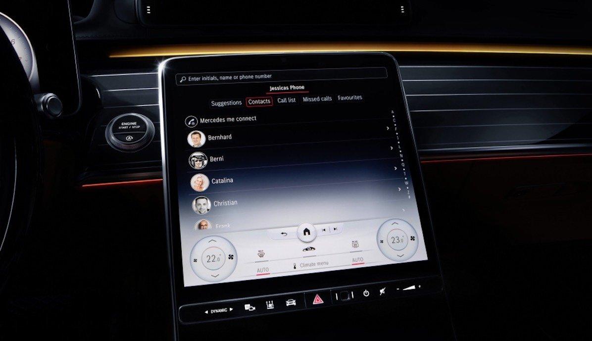 """Meet the S-Class DIGITAL: """"My MBUX"""" (Mercedes-Benz User Experience): Unterwegs daheim – luxuriös und digitalMeet the S-Class DIGITAL: """"My MBUX"""" (Mercedes-Benz User Experience): At home on the road – luxurious and digital"""