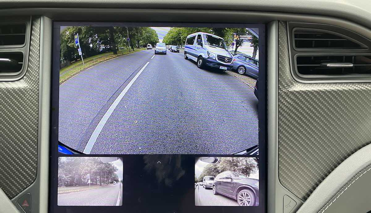 Tesla-Elektroautos zeigen beim Blinken bald Seiten-Bilder > teslamag.de