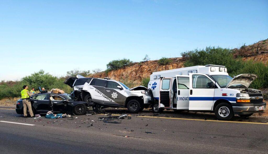 tesla model-s unfall polizei autopilot
