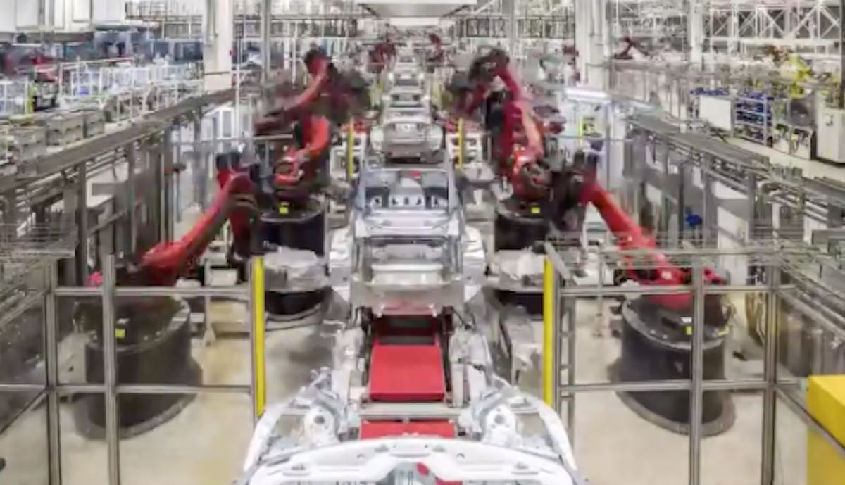 tesla gigafactory china produktion model-3 roboter
