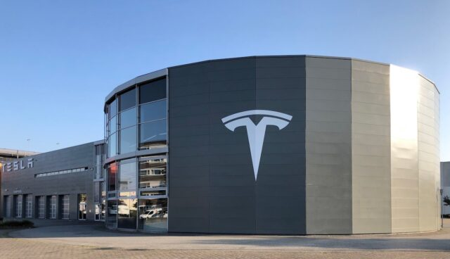 tesla center hamburg helbingtwiete