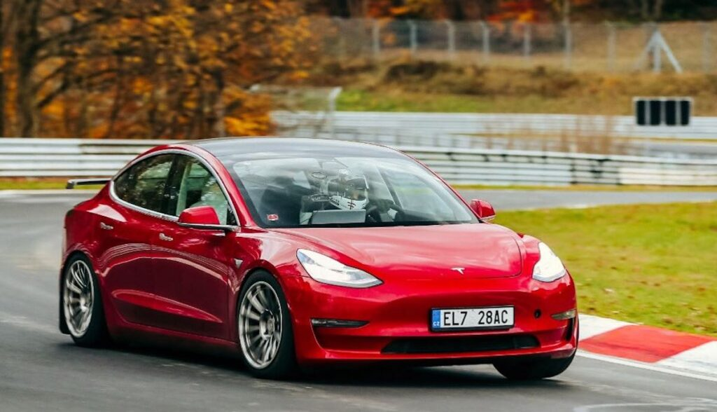 tesla model-3 performance up nuerburgring rekord