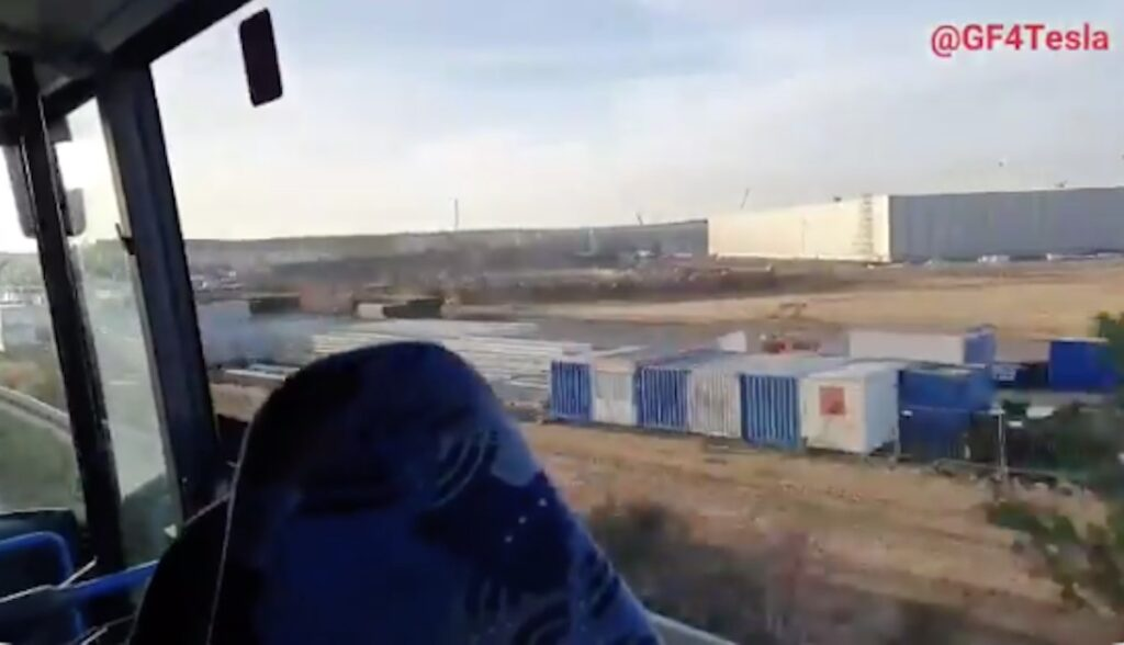 busfahrt tesla giga berlin