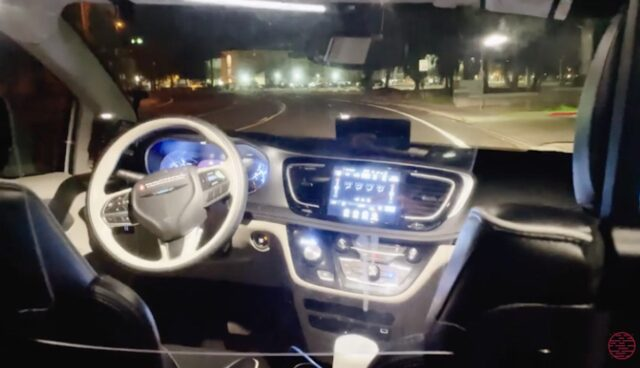 waymo driver robotaxi vergleich tesla autopilot