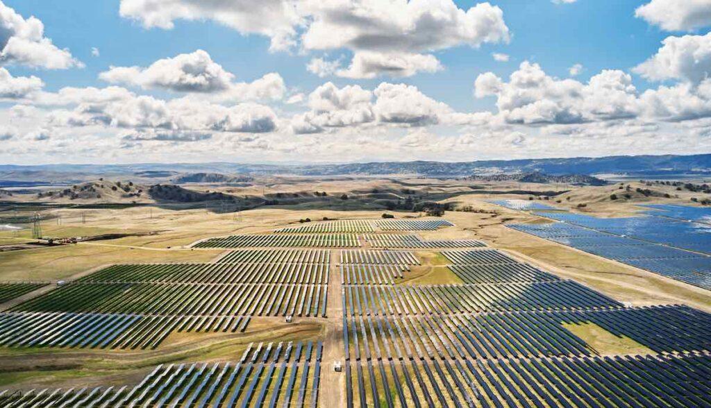 apple solarfeld california flats tesla megapack akku