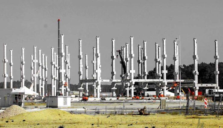 tesla giga berlin batterieproduktion halle pfeiler sep21
