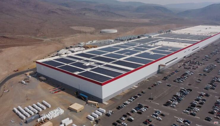 tesla gigafactory nevada aug21 solar