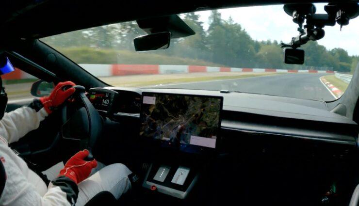 tesla model-s plaid nuerburgring rekord cockpit