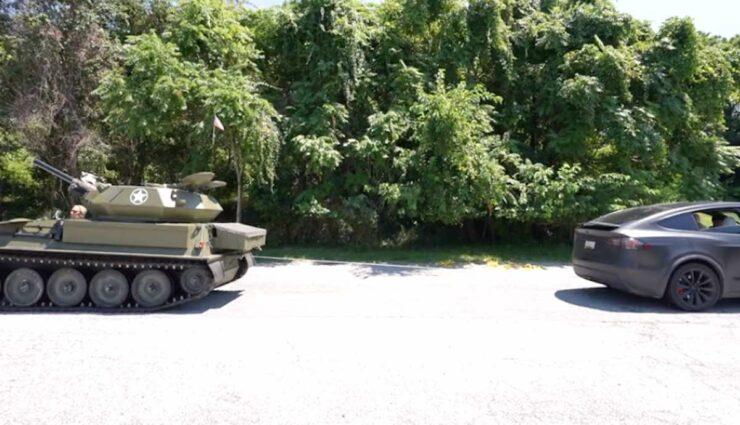 tesla model-x tauziehen panzer